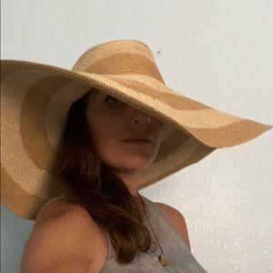 Calvin Klein Wide Brim Oversized Straw Beach Hat